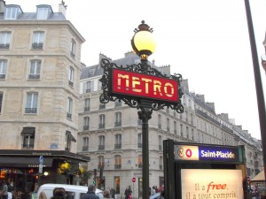 Paris_Saint_Placide_Metro_280109
